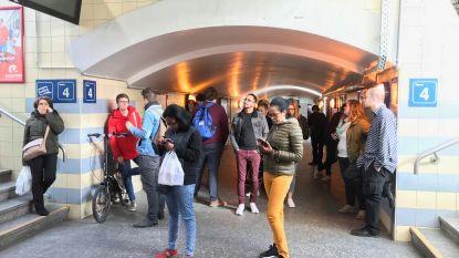 Veel gestrande treinreizigers in het station van Aalst (en hinder is nog niet voorbij)