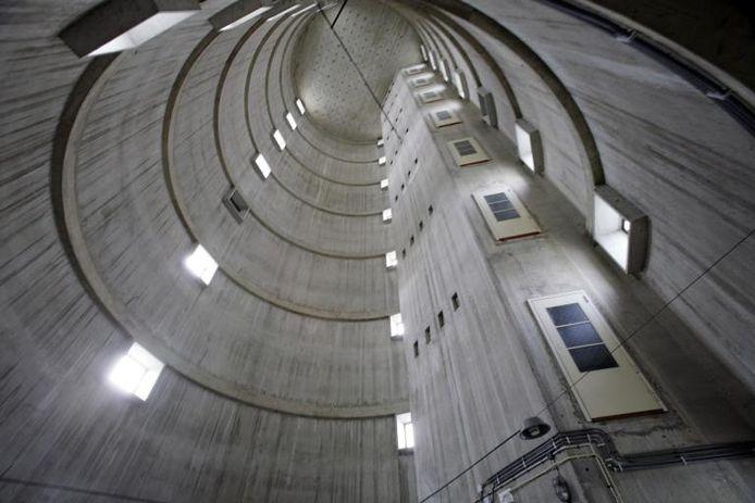 Alleen al het interieur van de televisietoren in Mierlo is de moeite van een bezoek waard. Begin september wordt de toren voor het eerst in zijn bestaan gedurende twee dagen opengesteld voor publiek. De belangstelling voor de toegangskaarten is enorm. foto Ton van de Meulenhof