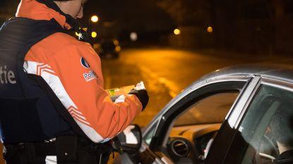 Politie trekt twee rijbewijzen in tijdens alcoholcontrole