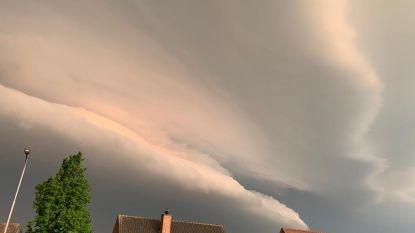 Zeldzaam schouwspel gespot aan de hemel, met  dank aan het onweer