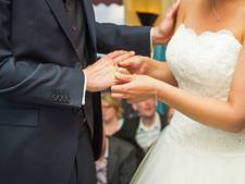 Op Boerenbruiloft Megen wordt écht getrouwd