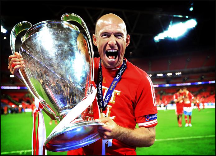 Arjen Robben is door het dolle heen na het winnen van de Champions League in 2013.