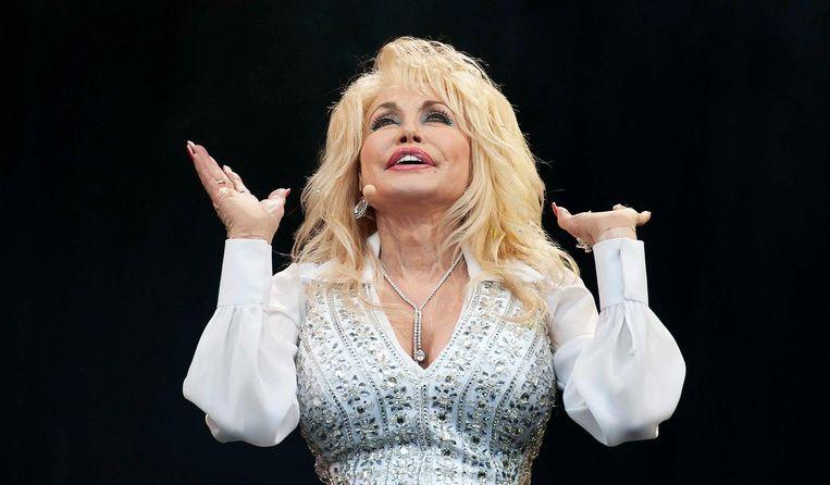Als Elvis een meisje was geweest, was hij Dolly Parton. Beeld epa
