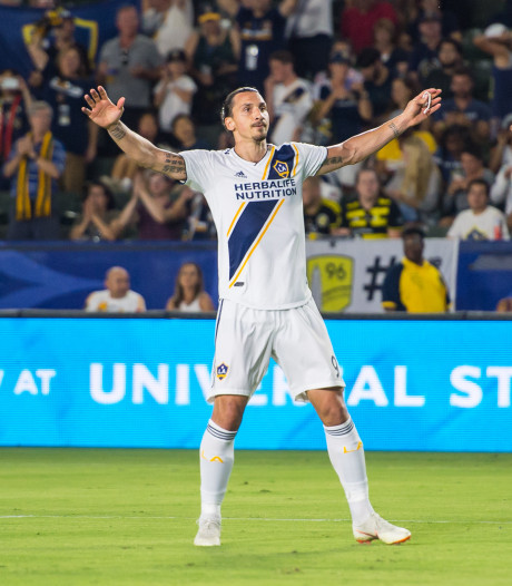 Zlatan weer goud waard met goal en fraaie assist