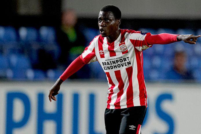 Nieuweling Claudio Gomes maakte vrijdag zijn debuut bij Jong PSV, in het duel met Jong AZ. Maandag reist hij met de beloftenformatie van Peter Uneken naar Jong Ajax.
