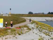 Waterschap: vervuilde zeedijk bij Perkpolder is sterk genoeg