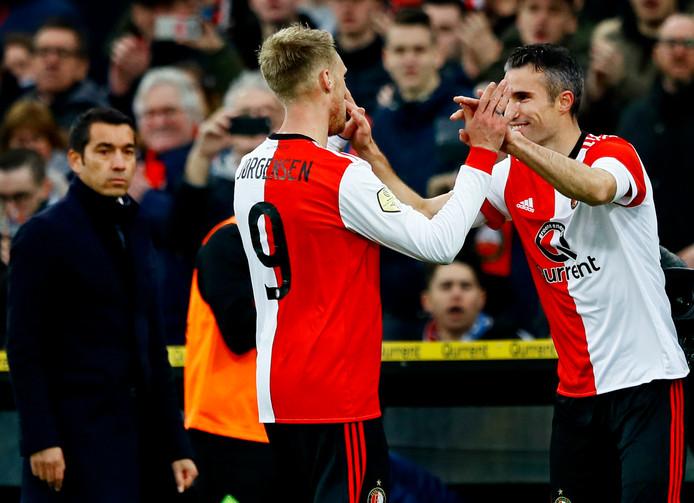 Robin van Persie vervangt Nicolai Jørgensen op 18 januari 2018 en maakt thuis tegen ADO zijn rentree voor ADO. Zondag neemt hij ook tegen ADO afscheid van het Legioen.