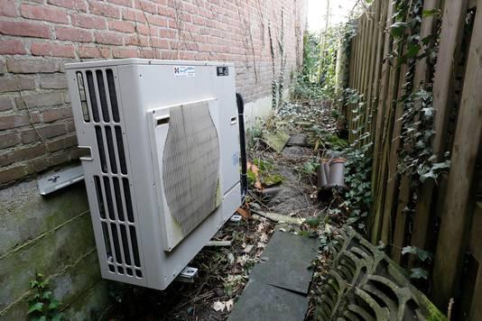 Een warmtepomp in een huishouden. Om de afspraken in het klimaatverdrag van Parijs binnen bereik te krijgen, zullen in de toekomst cv-ketels moeten worden vervangen door duurzame alternatieven, zoals de warmtepomp.