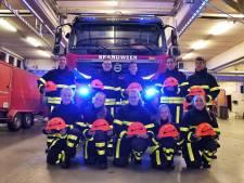 Jeugdbrandweer van Oisterwijk heeft een fonkelnieuwe uitrusting gekregen