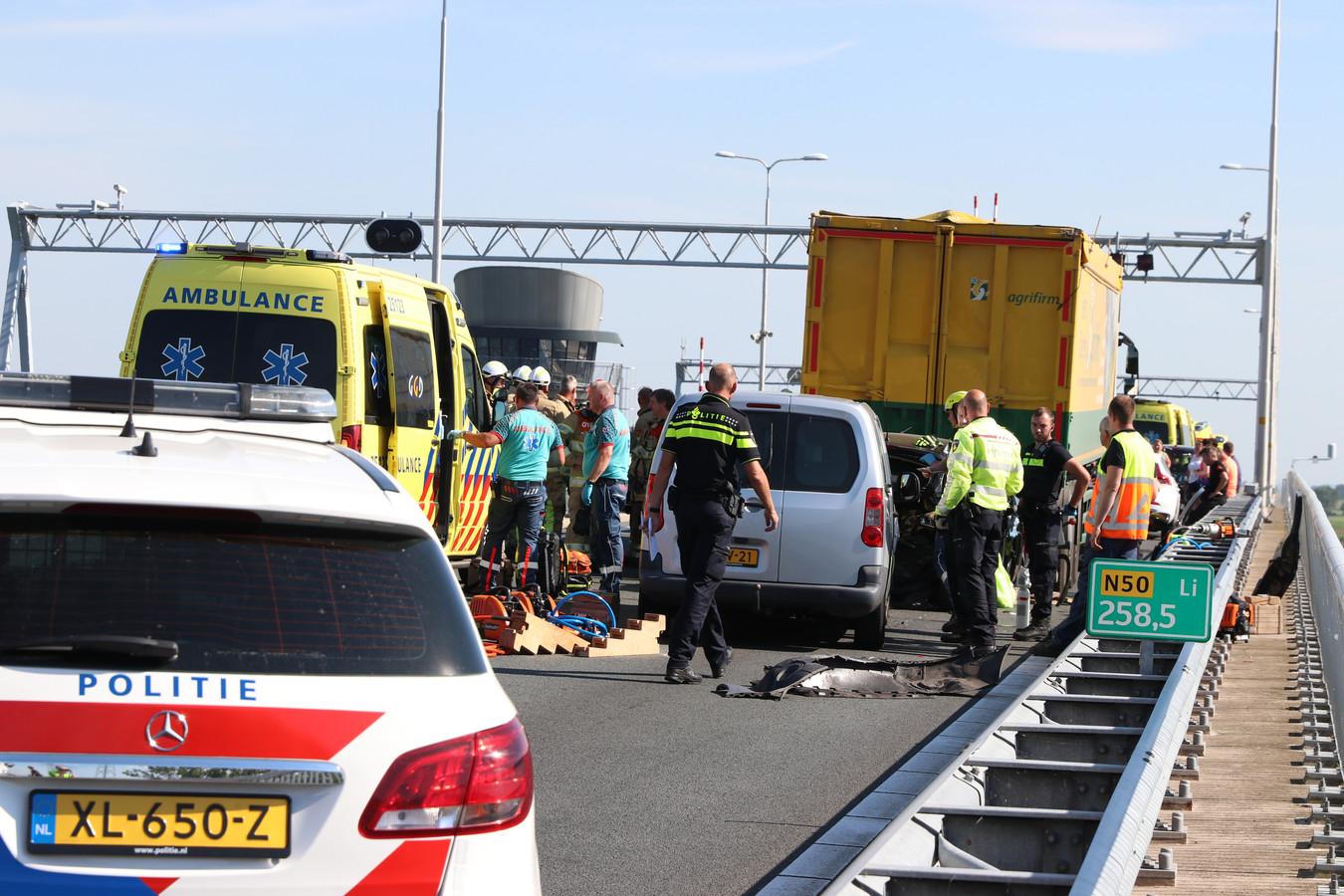 Het ongeluk op de N50 vond plaats op de Ramspolbrug.