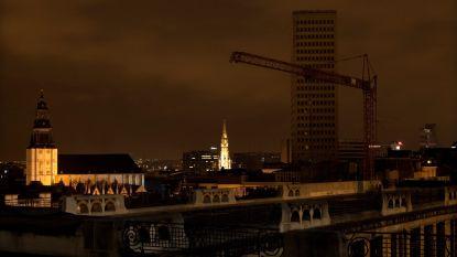 Slechts 1 op de 3 lampen branden tijdens 'Nacht van de Duisternis'