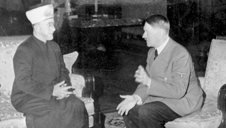 Grootmoefti Al-Husseini op bezoek bij Hitler in Berlijn in 1941. Beeld Das Bundesarchiv