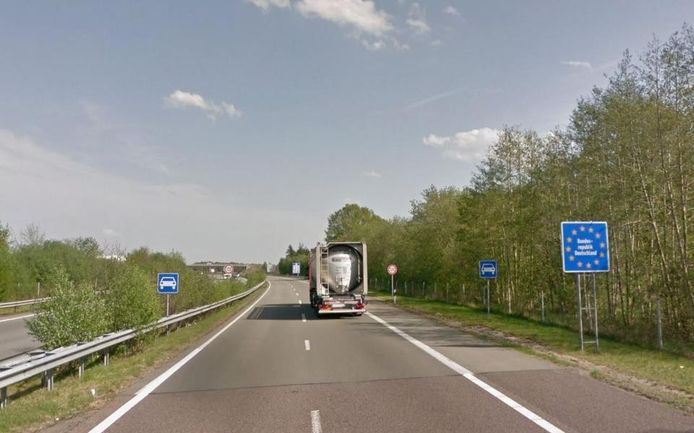 Grensovergang bij Zwartemeer.