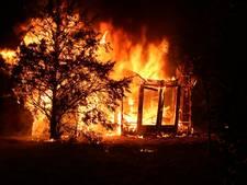 Brand verwoest chalet in Ermelo