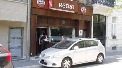 Café Retro enkele uren open en alweer gesloten