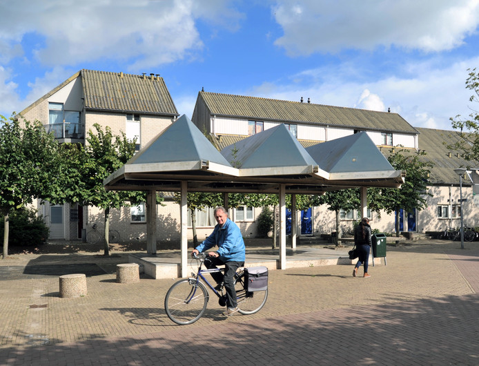 De overkapping op het Parelplein in de Middelburgse Edelstenenbuurt.