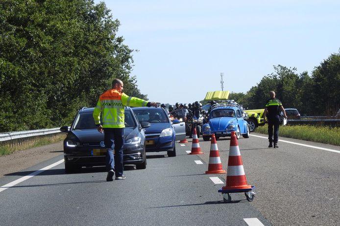 De schade op de A2 na het ongeluk bij Valkenswaard.
