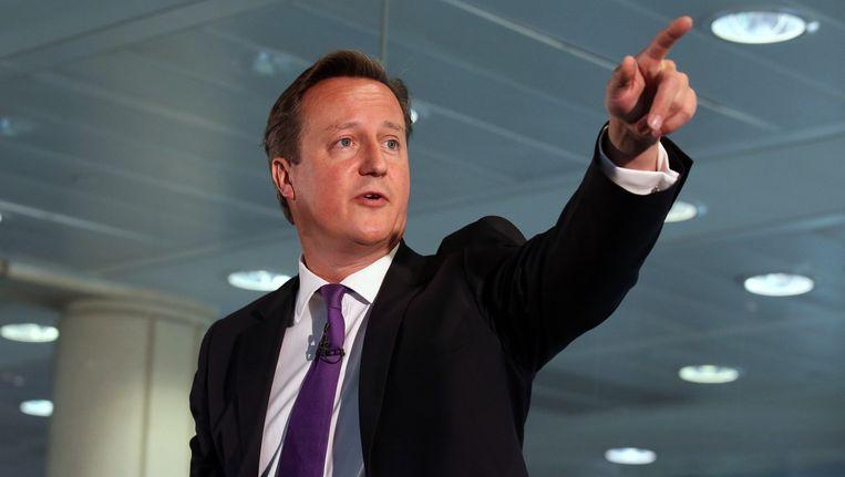 De Britse premier Cameron vandaag tijdens een bezoek aan Schotland ter ondersteuning van het Nee-kamp. Beeld ap