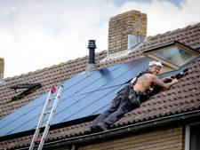 Fout bij aanleg van zonnepanelen in Oost-Souburg: restjes asbest in 12 woningen