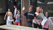 Leerlingen De Rekke lopen urban run doorheen de school