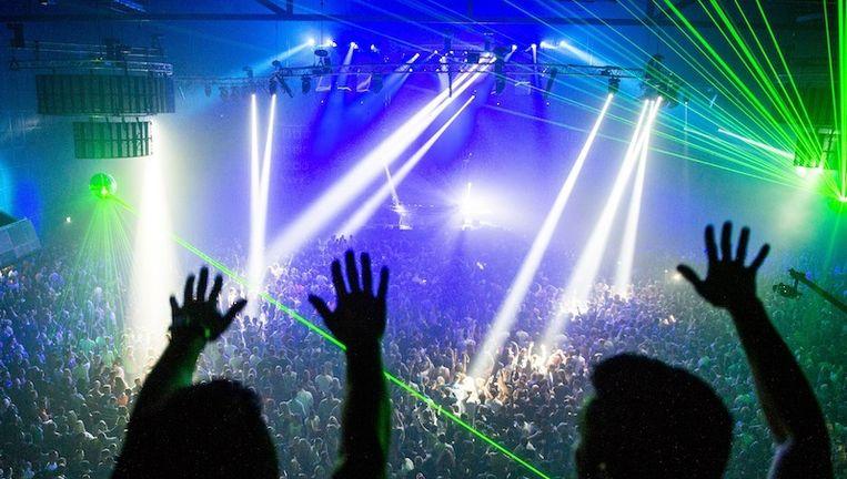 Danceliefhebbers dansen tijdens het jubileum Dirty Dutch feest Back to the Original Core in Heineken Music Hall. Beeld ANP