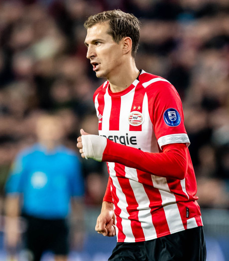 PSV in winterstop om de tafel met Schwaab, mogelijk vertrek Isimat