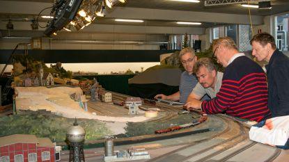 Grootste modelbouwclub van het land zet deuren open: treinbouwers spelen op hoog niveau