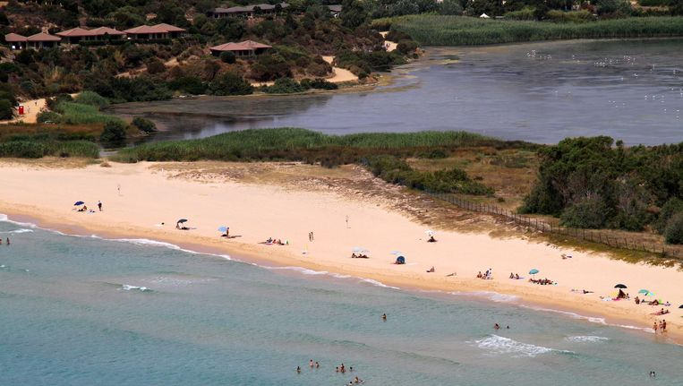 Het Sardijnse strand Spiaggia Sa Colonia. Beeld Carlo Pelagalli (CC BY-SA 3.0)