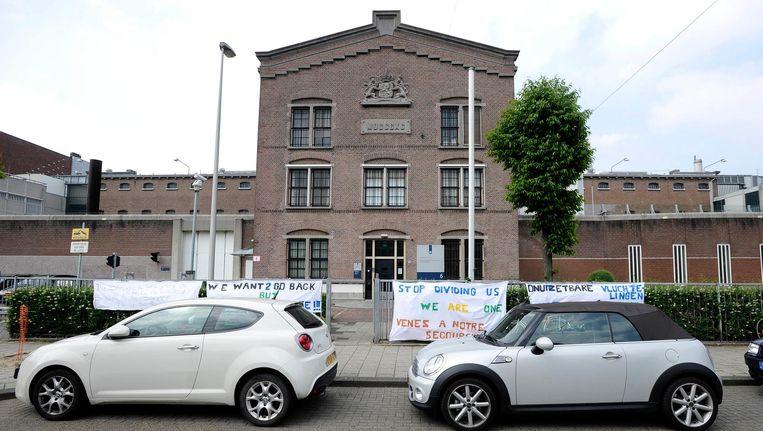 De oude gevangenis in de Havenstraat, hier nog in gebruik genomen door uitgeprocedeerde asielzoekers Beeld anp