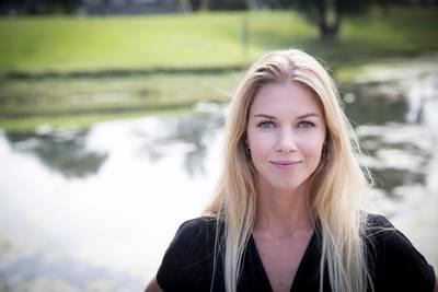 Zwangere Anouk past broek niet meer en Katja waant zich in paradijs