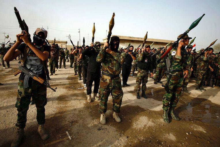 Strijders van de sjiitische militie Saraya al-Salam bereiden zich in Najaf voor op het offensief in Fallujah tegen IS.
