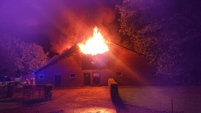 Bij de brand kwam veel rook vrij