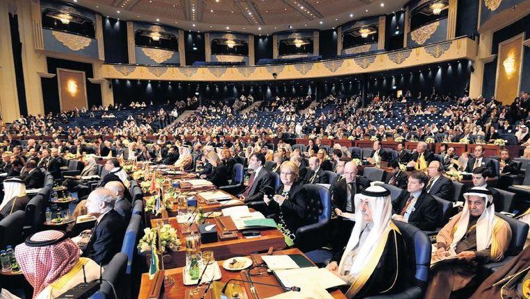 De opening van de tweede donorconferentie voor Syrië, gisteren in Koeweit. Beeld epa