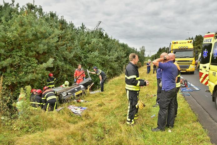 De Burgemeester Letchertweg moest enige tijd worden afgesloten, onder meer omdat de traumahelikopter er landde.