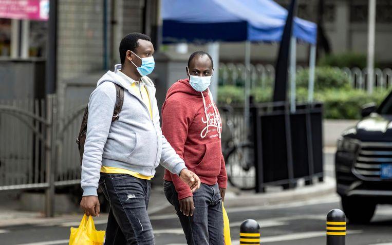 Afrikanen in de Zuid-Chinese handelsstad Guangzhou klagen onder meer over huisbazen die hen uit hun huurwoning zetten. Beeld EPA