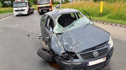 Automobilist lichtgewond na zwaar ongeval