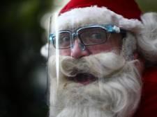 Un mystérieux père Noël distribue des centaines de bons d'achat de 250 dollars au Canada