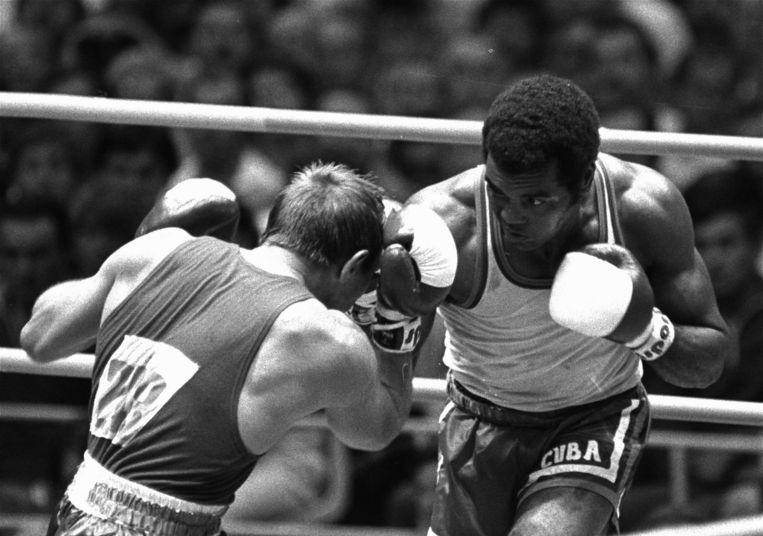 In 1980 tijdens de Olympische Spelen tegen de Sovjet-Rus Pjotr Zajev. Beeld AP