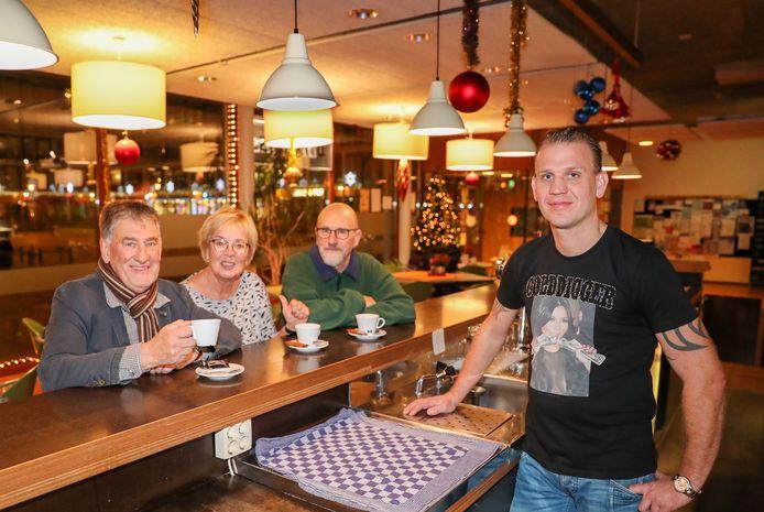 100 jaar Woensel. Wijkvereniging Blixembosch. Op de foto Bert Nieuwenhuis, Koby Kooikamp Jacques Borsboom en  Mark vd Sande
