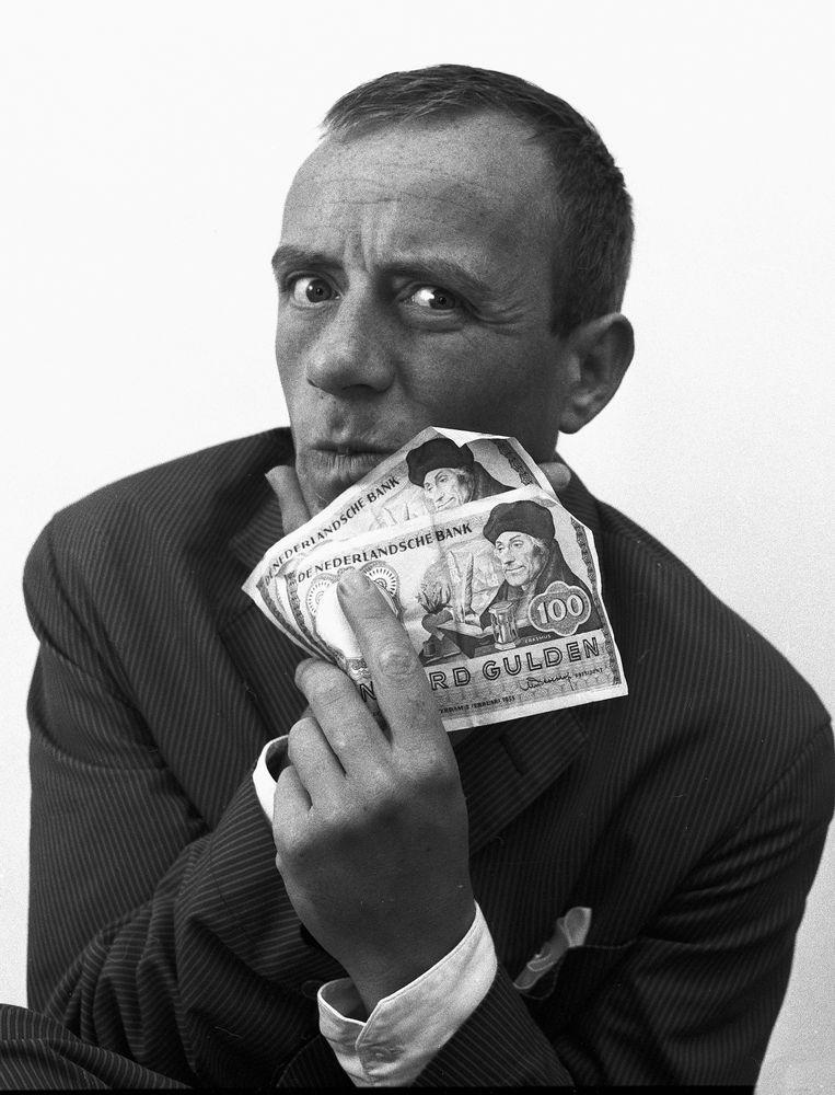 Johnny Kraaykamp sr., Amsterdam 1957. Beeld Eddy Posthuma de Boer