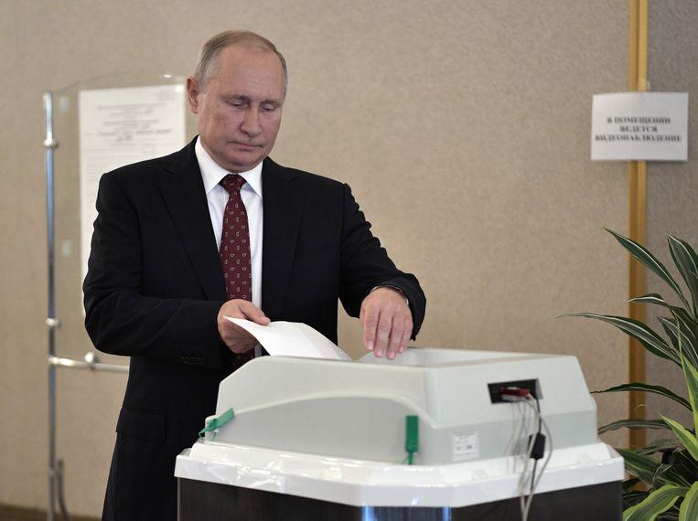 De partij van Vladimir Poetin heeft in de meeste regio's haar meerderheid gehandhaafd.