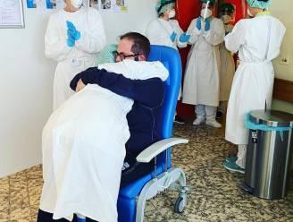 """Stijn (41) mag na een maand opnieuw zijn vrouw in zijn armen nemen: """"Iedereen in tranen"""""""
