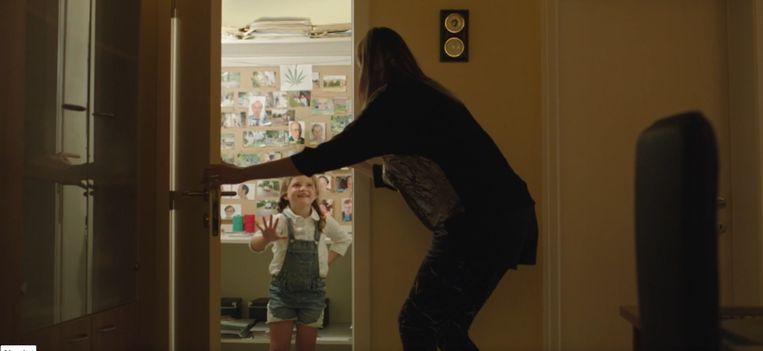 'Emmatje', de dochter van politieagente Chantal in Eigen Kweek, wordt gespeeld door de Kuurnse Miet Dujardin (8).