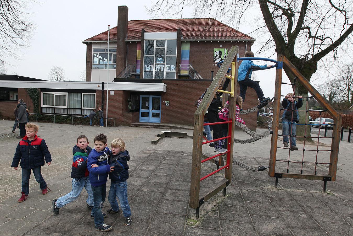 Op het schoolplein van de Christoffelschool in Gendringen.