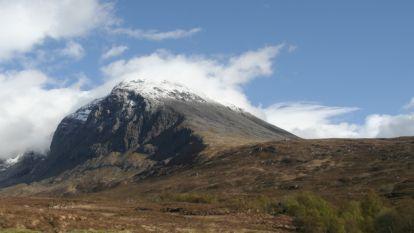 Drie klimmers komen om door lawine op hoogste Britse berg