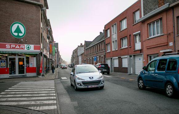 Brugsken, een belangrijke invalsweg aan de zuidkant van Sint-Niklaas naar de drukke ziekenhuis- en scholenomgeving, wordt vanaf maandag tot eind juni afgesloten voor doorgaand verkeer.