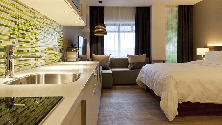 Het eerste Nederlandse Elementhotel zit in een voormalig kantoorpand bovenop het Amsterdamse winkelcentrum Gelderlandplein in Buitenveldert. Beeld Roy del Vecchio
