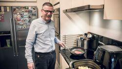 """Maaseikenaar (54) eet elke dag biefstuk met frietjes: """"Ik krijg niets anders binnen"""""""