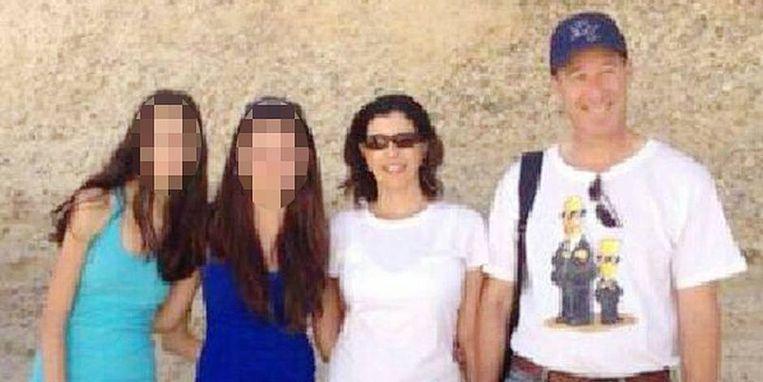 Mira en Emmanuel Riva met hun dochters. Het Israëlische koppel werd op 24 mei in Brussel gedood bij de aanslag tegen het Joods Museum.
