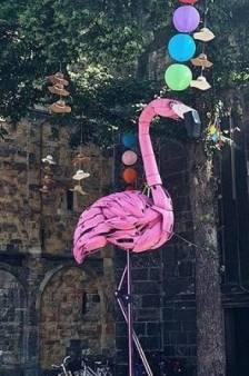 Goed nieuws voor bierliefhebbers & een grote flamingo op de Oude Markt in Enschede